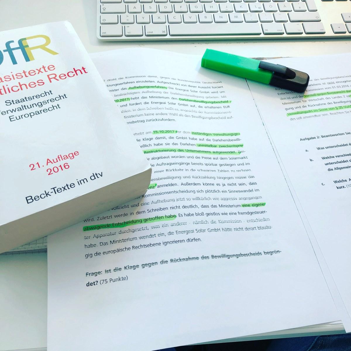 LAW // 10 Fragen zu meinem Jura-Studium an der Fernuniversität in Hagen