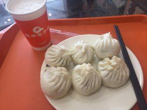 Essen für Kinder in China- Baozi