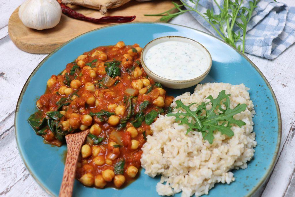 Chana Masala mit Kichererbsen und Spinat