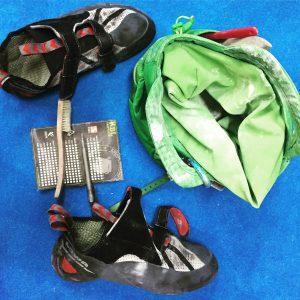 Boulderliga, Laufkarte, Schuhe und Chalkbag