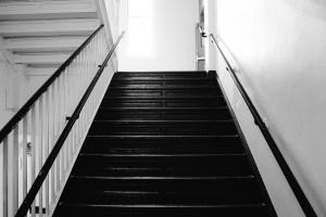 Treppenstufen Innen Einkaufstrolley mit Treppensteiger Funktion Einkaufstrolley-Vergleich.de