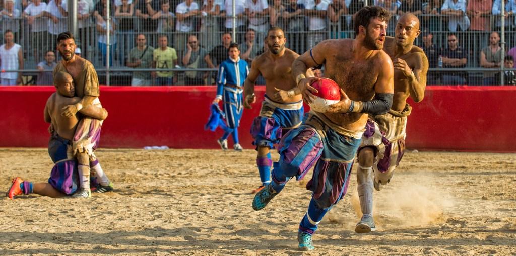 Calcio Storico Fiorentino Stock Photo - Azzurri di Santa Croce (Blue) v Bianchi di Santo Spirito (White) [Reference: 6][Picture Credit: Giuseppe Sabella]