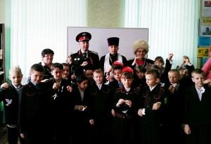 В двунадесятый праздник Крещения Господня ученики казачьего класса посетили библиотеку Каневского храма