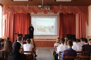 Накануне дня памяти св.Кирилла и Мефодия протоиерей Виктор Савенко провёл беседу с учениками школы