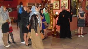 В рамках кружка «Кубанские казачки» группа казачьей направленности посетила храма Трёх Святителей
