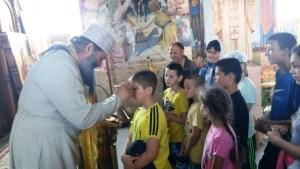 С началом летних каникул ребята стали чаще посещать храмы