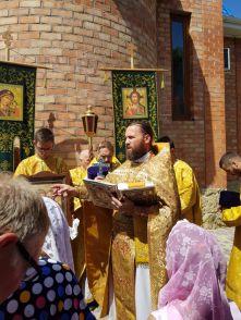 поселок Октябрьский, Ейская епархия, епископ Герман, протоиерей Роман Дейнега, протоиерей Максим Костылев