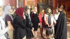 Храм Трех Святителей станицы Ленинградской посетили студенты казачьей направленности