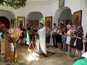 Девятиклассники каневской СОШ № 2 помолились в храме вмч. Пантелеимона о помощи Божией в сдаче ОГЭ