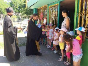 В Ленинградском районе прошла акция «С Богом – по дорогам»