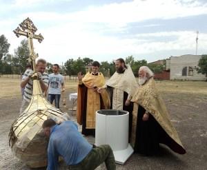 В селе Широчанка Ейского района поднялся купол над звонницей