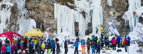30.01.2016, Eispark, Matrei in Osttirol, AUT, 1. Osttirol Eis Festival, im Bild Zuseher // during 1st Osttirol Ice Festival at icepark in Matrei in Osttirol, Austria on 2016/01/30. EXPA Pictures © 2016 PhotoCredit: EXPA/ Michael Gruber