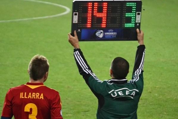 Volta da Champions League com 5 substituições permitida, podendo chegar até 6.