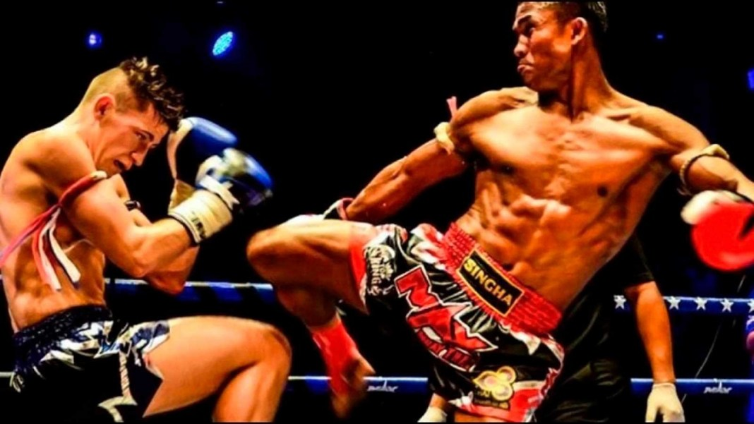 Luta entre lutadores de Muai Thai - Estilo de luta de origem tailandesa.