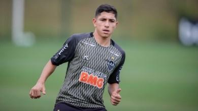 Atlético-mg tropeça e o flamengo encosta de vez na liderança do brasileirão nesta rodada 22