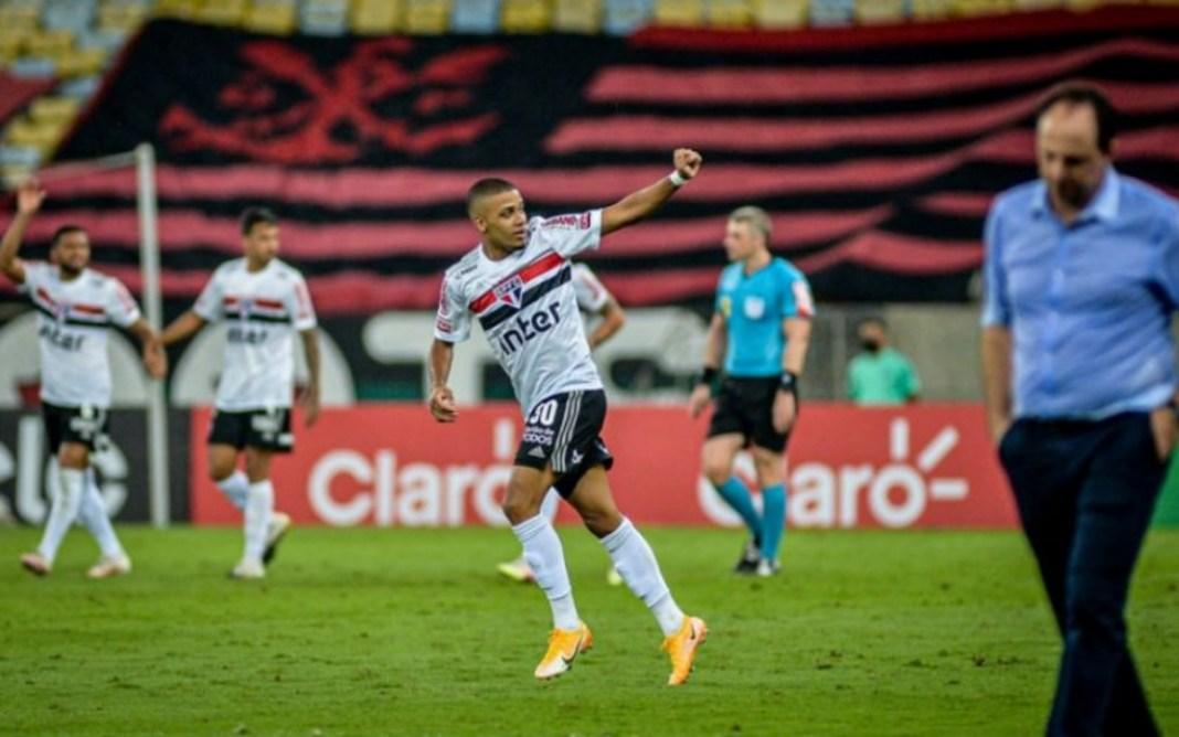 Estreia de Rogério Ceni no Flamengo com Derrota contra o São Paulo na Copa do Brasil