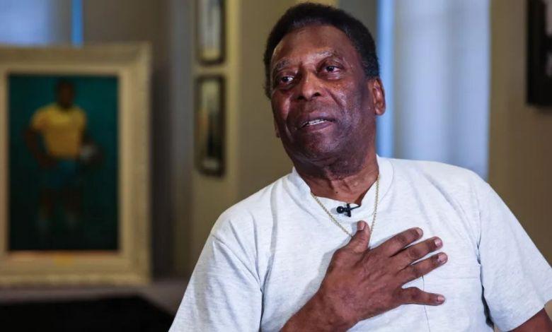 Pelé passa por cirurgia para remoção de Tumor