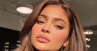 Kylie Jenner Bikini Pic Has Insane Impact on Voter Registration