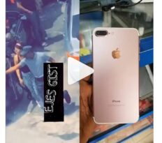 Moment Beautiful Lady Was Disgraced In Public For Stealing iPhone 7 in Abuja