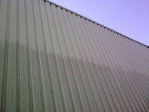Damwand profiel reinigen - EJOP schoonmaak systeembeplating gevel osmose