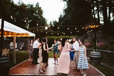 Garden wedding in Oregon