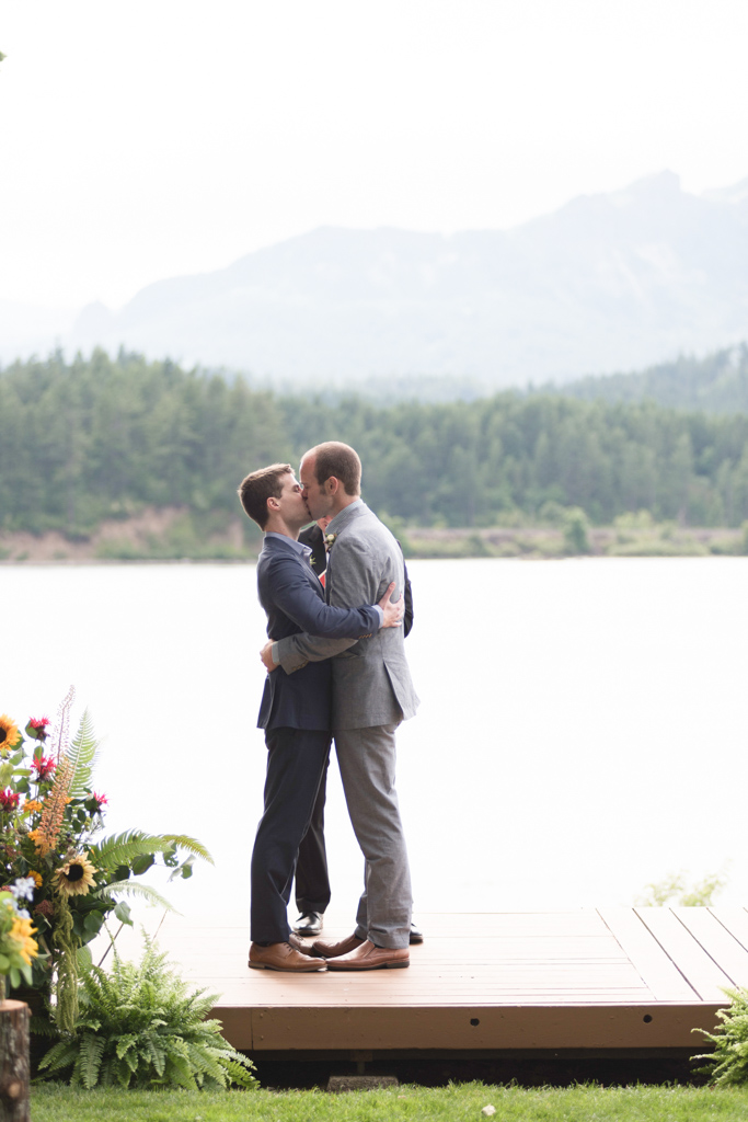 Columbia Gorge Wedding Planner