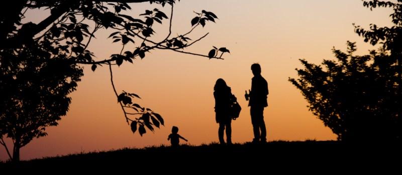 Oco nigdy nie pytaj młodych małżonków – czyli odpowiedzialne rodzicielstwo dla opornych