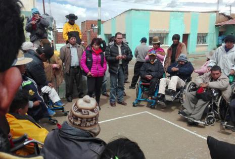 Las personas con discapacidad decidieron en asamblea no avanzar por el mal tiempo.