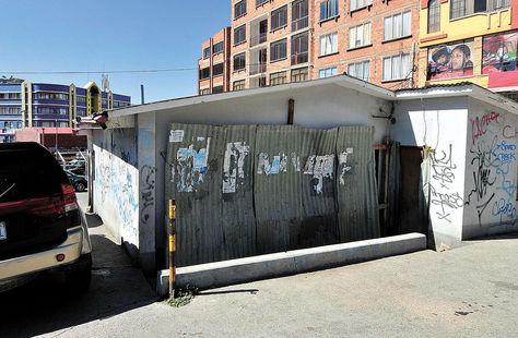 Inseguro. El exsurtidor Delta, ubicado en Villa Fátima, es uno de los sectores más peligrosos del barrio. Foto: Víctor Gutiérrez