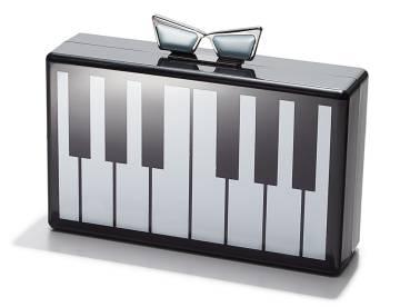 Clutch inspirado en un piano de Love Bravery.