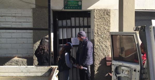 Los estudiantes están detenidos en la Felcc en La Paz