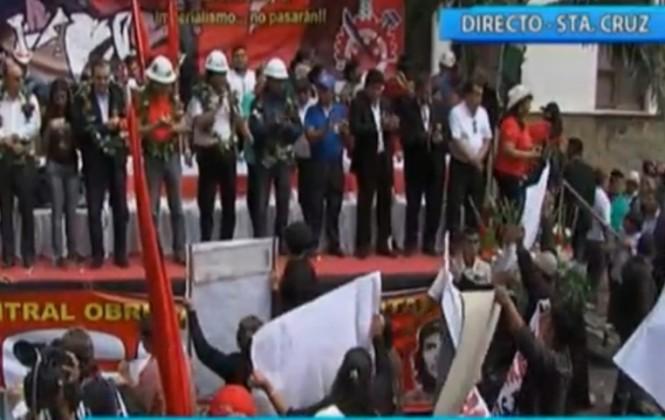 """""""Evo, Quintana, ¿Dónde está la plata?"""", le gritan al Presidente en desfile por 1 de Mayo"""