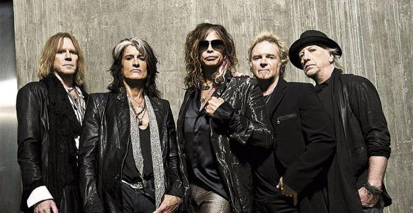 Tom Hamilton (bajista), Joe Perry (guitarrista), Steven Tyler (vocalista), Joey Kramer (baterista) y Brad Whitford (guitarrista)