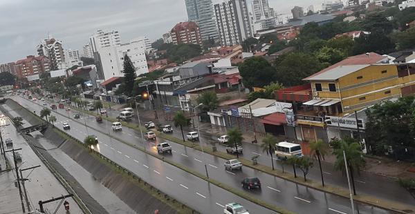 La lluvia que se inició la noche del lunes continuará durante la mañana.