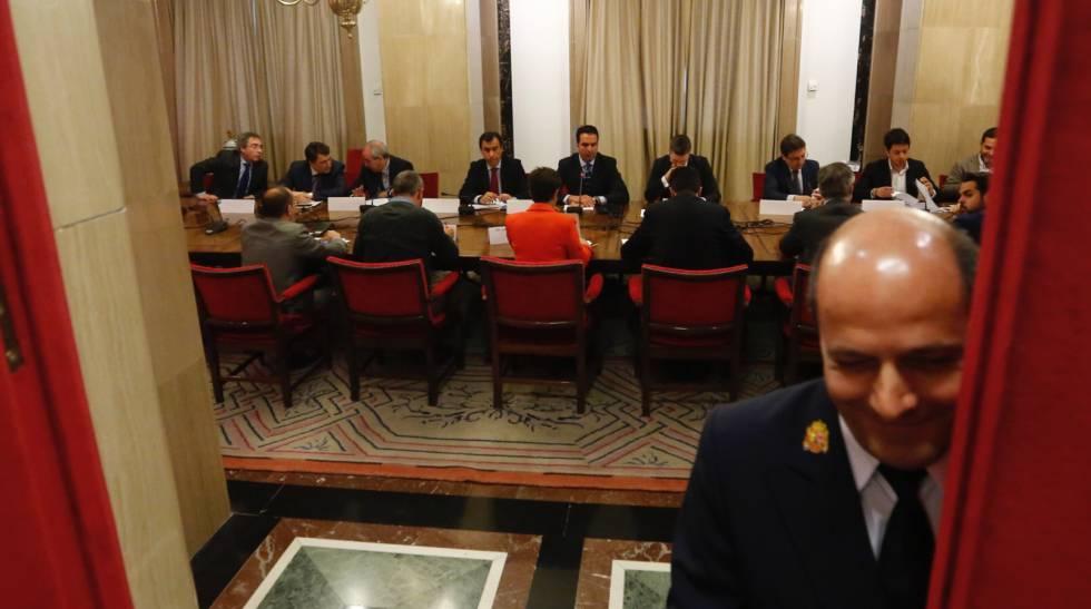 Reunión de los partidos para reducir los gastos electorales.