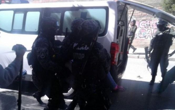 Al menos 45 personas detenidas y tres heridas tras enfrentamiento entre trabajadores de Enatex y policías