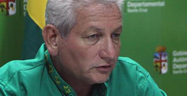 El gobernador Rubén Costas fue agredido por un grupo de personas