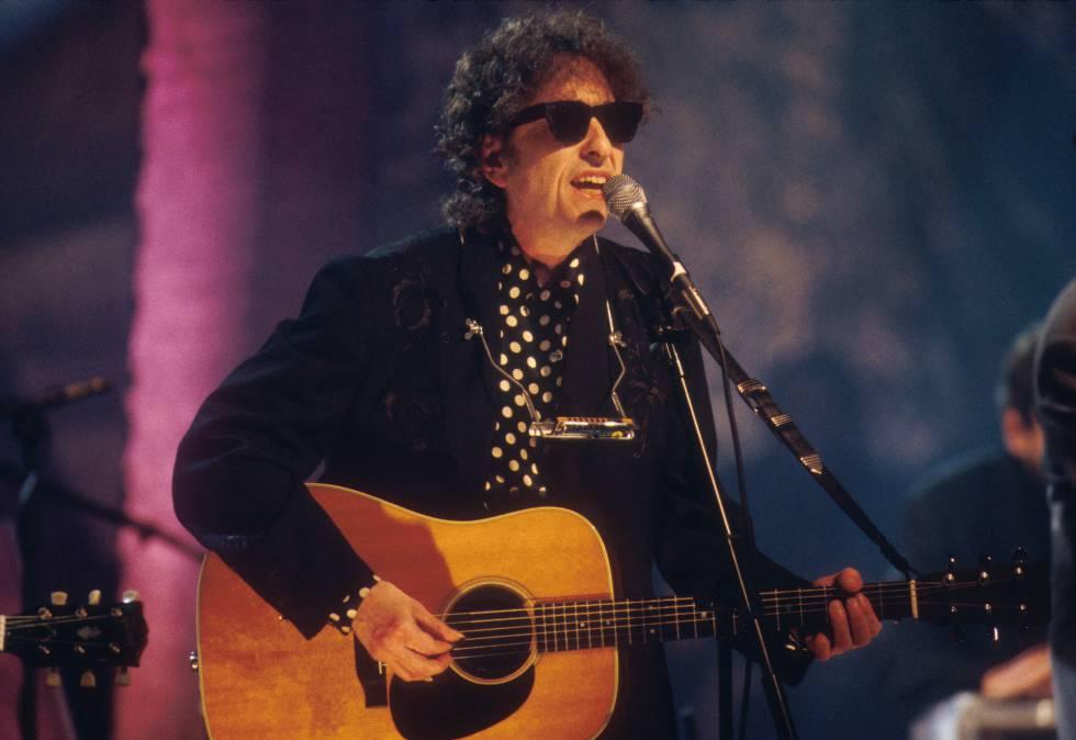 Dylan en 1994 durante su actuación en Mtv Unplugged.