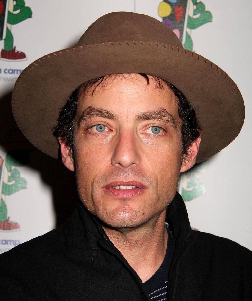 Jakob Dylan, de 46 años, también es músico. Es líder de los Wallflowers, una banda a la que casi se le podría etiquetar como