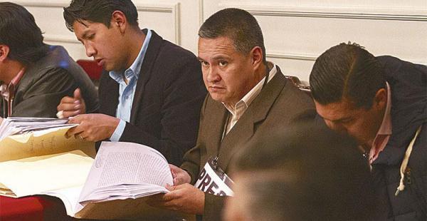 El abogado seguirá arrestado en celdas judiciales. Un juzgado declaró en reserva la audiencia cautelar