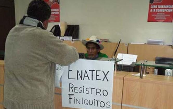 """Extrabajadores de Enatex dicen que se implementó el """"segundo 21060"""" en el gobierno de Evo"""