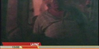 Detenidos cruceños llegaron vendados y amarrados a La Paz