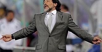 Maradona arremete contra Grondona y Bilardo