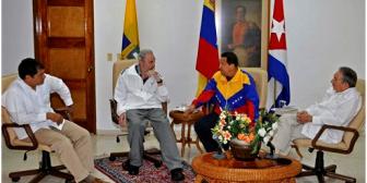 """Presidente de Ecuador dice que vio """"muy animado"""" a Chávez en Cuba"""