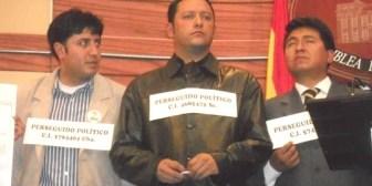 Parlamentarios de oposición se declaran perseguidos políticos por denunciar corrupción