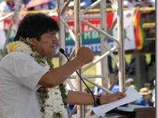 Presidente defiende consulta previa, afirma que indígenas utilizan el Tipnis para chantajear