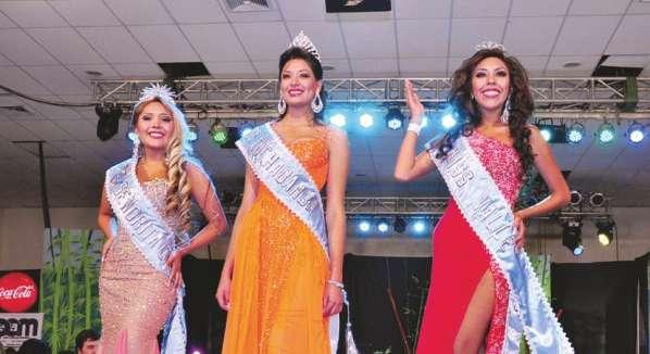 Las tres ganadoras Señorita Cochabamba, Miss Cochabamba y Miss Valle 2013