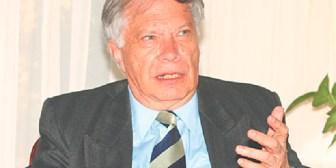 """H.C.F. Mansilla: """"Bolivia vive otro experimento populista con barniz revolucionario"""""""
