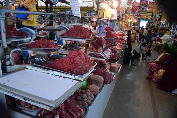 La oferta de carne de res en el mercado 25 de Mayo, uno de los principales de la ciudad. | Foto archivo - José Rocha Los Tiempos