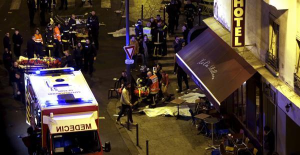Al menos 40 personas han muerto en los tiroteos y las tres explosiones en las inmediaciones del Estadio de Francia.